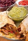 Mexicaanse kip en rundvleesfajitas Royalty-vrije Stock Afbeelding