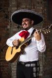 Mexicaanse musicimariachi in de studio stock fotografie