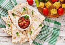 Mexicaanse Quesadilla-omslag met kip Stock Fotografie