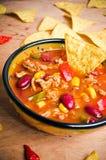 Mexicaanse soep met taco's stock fotografie