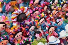 Mexicaanse voddenpoppen Prachtig bewerkte hand Royalty-vrije Stock Afbeeldingen