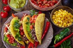 Mexicaanse voedseltaco's stock afbeeldingen