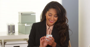 Mexican businesswoman using smartphone Royalty Free Stock Images