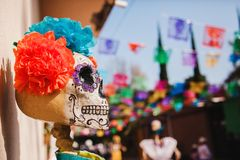 Free Mexican Catrina For Dia De Los Muertos , Displayed During Day Of The Dead Celebration In Mexico Royalty Free Stock Photo - 160854725