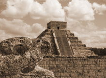 Mexican chi chen itza snake and pyramid Royalty Free Stock Photography