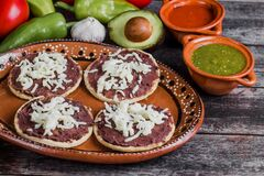 Free Mexican Sopes With Grated Cheese And Fried Beans, Traditional Breakfast In Mexico Stock Image - 192491731