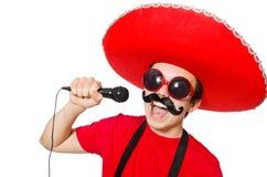 Mexicano divertido con el mic aislado Imagen de archivo