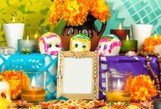 Mexicansk dag av det döda altaret (Dia de Muertos) royaltyfri fotografi