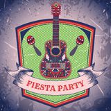 Mexicansk Fiestapartietikett med maracas och mexikansk gitarr Räcka den utdragna vektorillustrationaffischen med grungebakgrund Fotografering för Bildbyråer