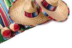 Mexicansk filt och sombrero Arkivbild