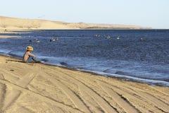 Mexicansk pojke på stranden Arkivbilder