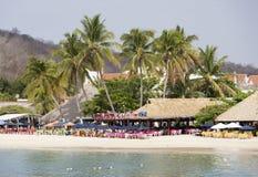 Mexicansk strand för semesterortstad Fotografering för Bildbyråer
