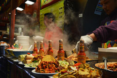 Mexicansk streetfoodmarknad royaltyfri bild