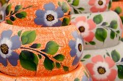 Mexicanska keramiska krukor, stor orange variation Royaltyfri Foto