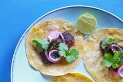 Mexicanska taco med kött Arkivbild