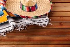 Mexico cinco de mayo wood background mexican sombrero Royalty Free Stock Photography