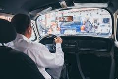 MEXICO - SEPTEMBER 22: Binnen van een taxi van Volkswagen in cente stock afbeelding