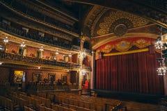 MEXICO - SEPTEMBER 24: Huvudsakligt rum och etapp på den Juarez teatern, Se arkivfoto