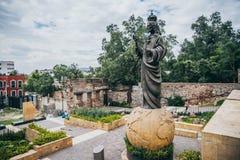 MEXICO - SEPTEMBER 20: Jesus staty på Tepeyac kullar bak basilika av Guadalupe Square Arkivfoton