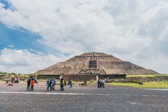 MEXICO - SEPTEMBER 21: People in front of the Pyramid of the Sun on a cloudy day. September 21, 2017 in Teotihuacan, Mexico Stock Photography