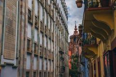 MEXICO - SEPTEMBER 24: Sida av universitetet av Guanajuato och royaltyfria foton