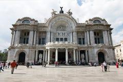 Mexico - stad, Mexico - 2011: Palacio de Bellas Artes royaltyfri fotografi