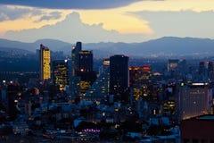 Mexico - stad på solnedgångtid arkivfoto