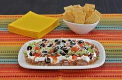 Mexikan Bean Layered Dip royaltyfri fotografi