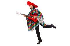 Mexikan i den hållande gitarren för livlig poncho som isoleras på royaltyfria foton