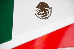 Mexikanische Flagge auf Rennwagen Lizenzfreie Stockfotos