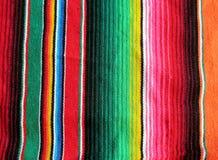 Mexikanische handwoven Wolldecke der Fiestas Stockfotografie