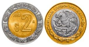 2 mexikanische Pesos ziehen sich zurück und konfrontieren Stockbilder