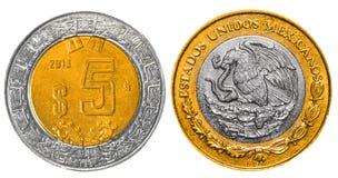 5 mexikanische Pesos ziehen sich zurück und konfrontieren Stockfotografie