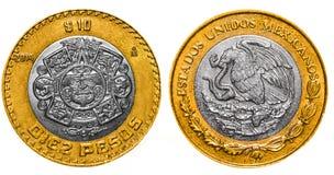 10 mexikanische Pesos ziehen sich zurück und konfrontieren Stockfotos