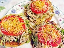 Mexikanische Tostadas für Abendessen lizenzfreies stockfoto