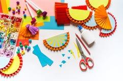 Mexikanische verzierende Papiergirlanden Bunte traditionelle picado Cinco De Mayos Fahne festlich stockbild