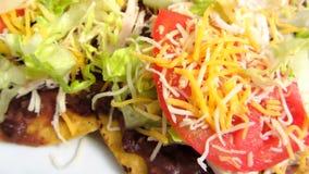 Mexikanischer Küche-Tostadas-Abschluss-oben stock video footage
