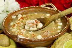 Mexikanischer Pozole Teller Stockbild