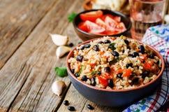 Mexikanischer Reis der schwarzen Bohnen der Tomate mit Koriander Lizenzfreie Stockfotos