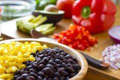 Mexikanischer Salat mit Knoblauchsoße Lizenzfreie Stockfotos
