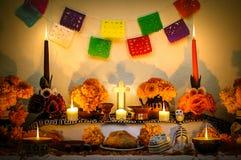 Mexikanischer Tag des toten Altars Stockfotos