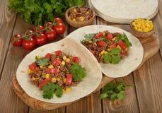 mexikanska burritos Arkivbilder