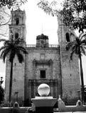 Mexiko-Kirchenkathedrale Mérida-Kolonialarchitektur historial Yucatan Schwarzweiss Stockfotos