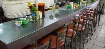 Mexiko-Marktrestauranttabelle Lizenzfreie Stockfotografie