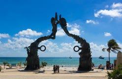 Mexiko, Playa del Carmen, Portalmayaskulptur Mayazugang Lizenzfreie Stockfotos