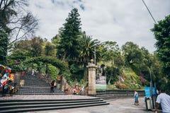 MEXIKO - 20. SEPTEMBER: Tepeyac-Hügel hinter Basilika von Guadalupe Square Mexiko-Stadt Lizenzfreies Stockfoto