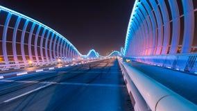 Meydan bro på natten Arkivbilder
