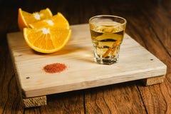 Mezcal strzału meksykański napój z pomarańcze i dżdżownicy solą w Oaxaca Mexico Obraz Stock