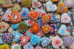 Mezcla colorida de Honey Cookies, de corazón y de muñeco de nieve formados Fotografía de archivo libre de regalías