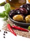 Mezcla de aceitunas y de pimienta de chile Foto de archivo libre de regalías